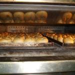 Fertige Brötchen im Ofen