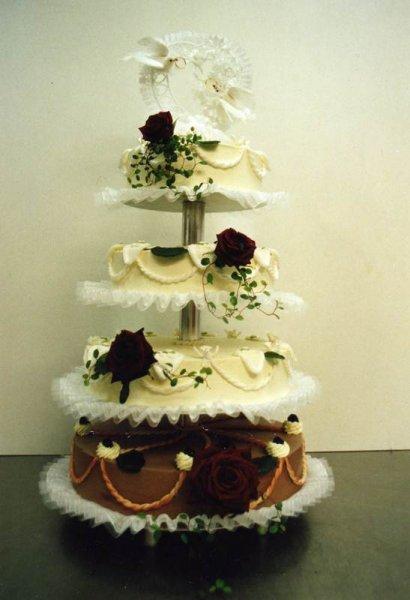 Hochzeitstorten Nach Ihren Wunschen Aus Der Hauseigenen Konditorei