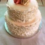 Hochzeitstorte Rüschenkleid H46