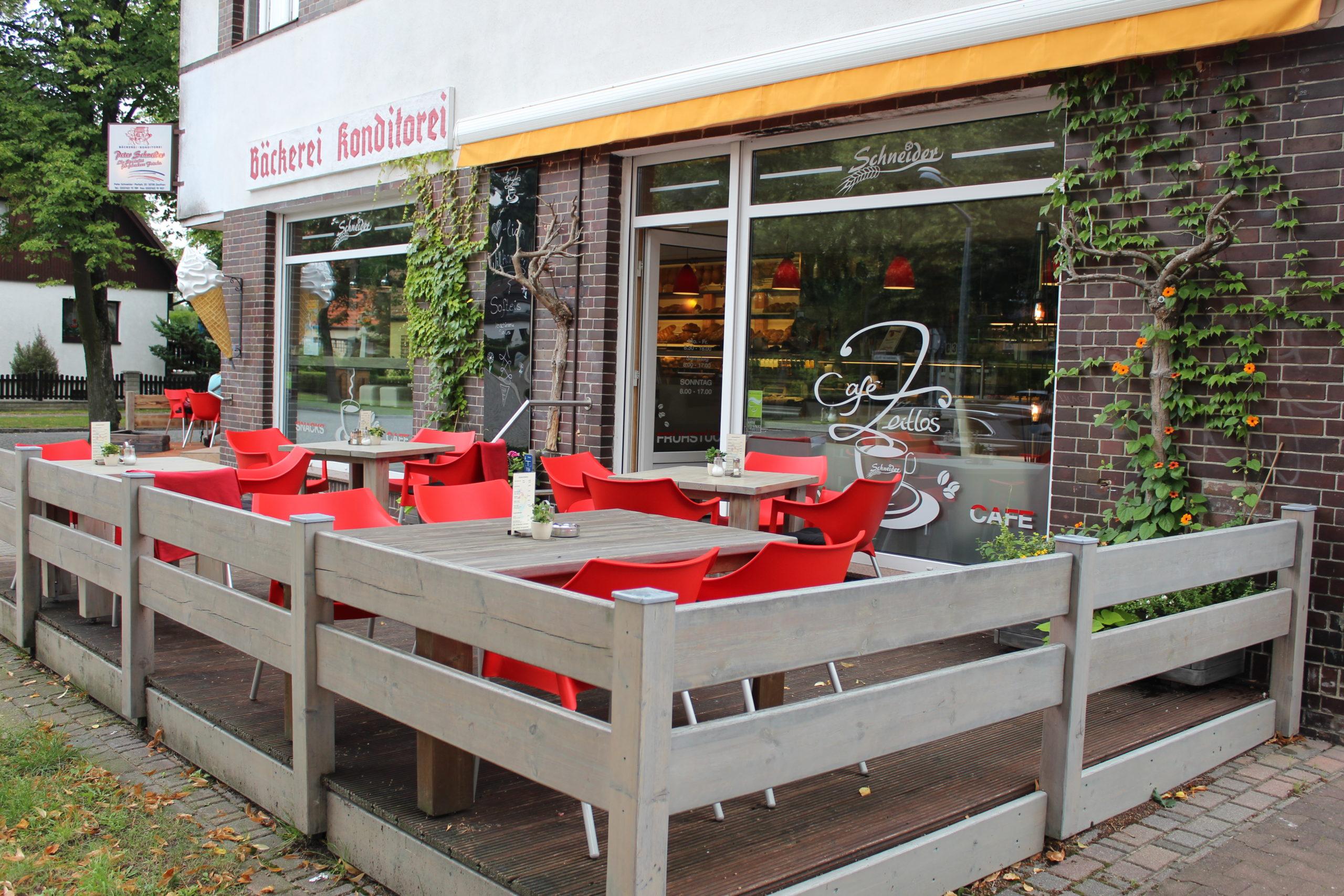 Café Zeitlos und Bäckerei Schneider in Eichwalde
